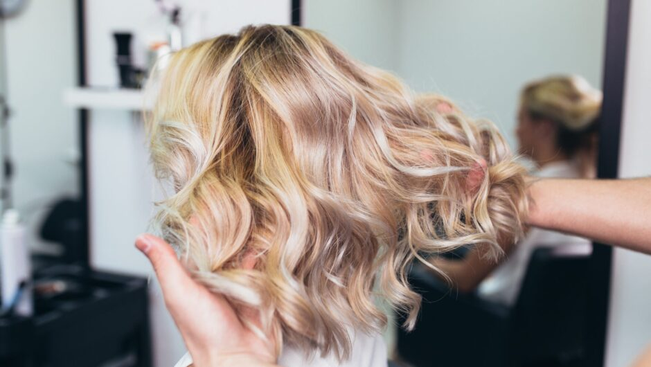 Michigan hairstylists say they're targeted for breaking coronavirus orders