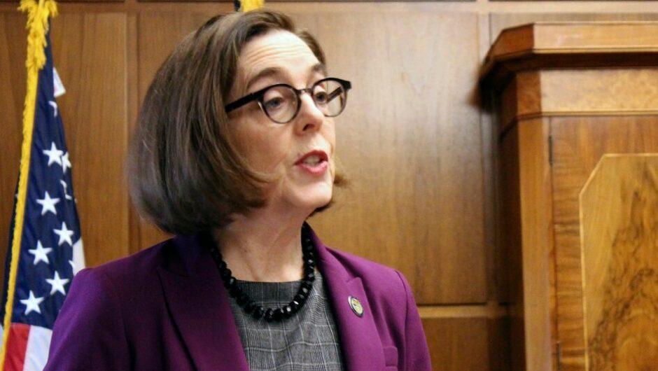 Oregon governor considers releasing 400 prisoners as coronavirus precaution: report