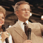 Televangelist Jim Bakker to pay $156,000 in restitution for fake COVID-19 cure